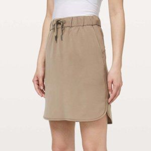 Lululemon Frontier/Tan On the Fly Skirt Size 8